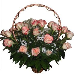 https://flores.russianflora.com/store/images/product/25_roses_basket_1200.jpg